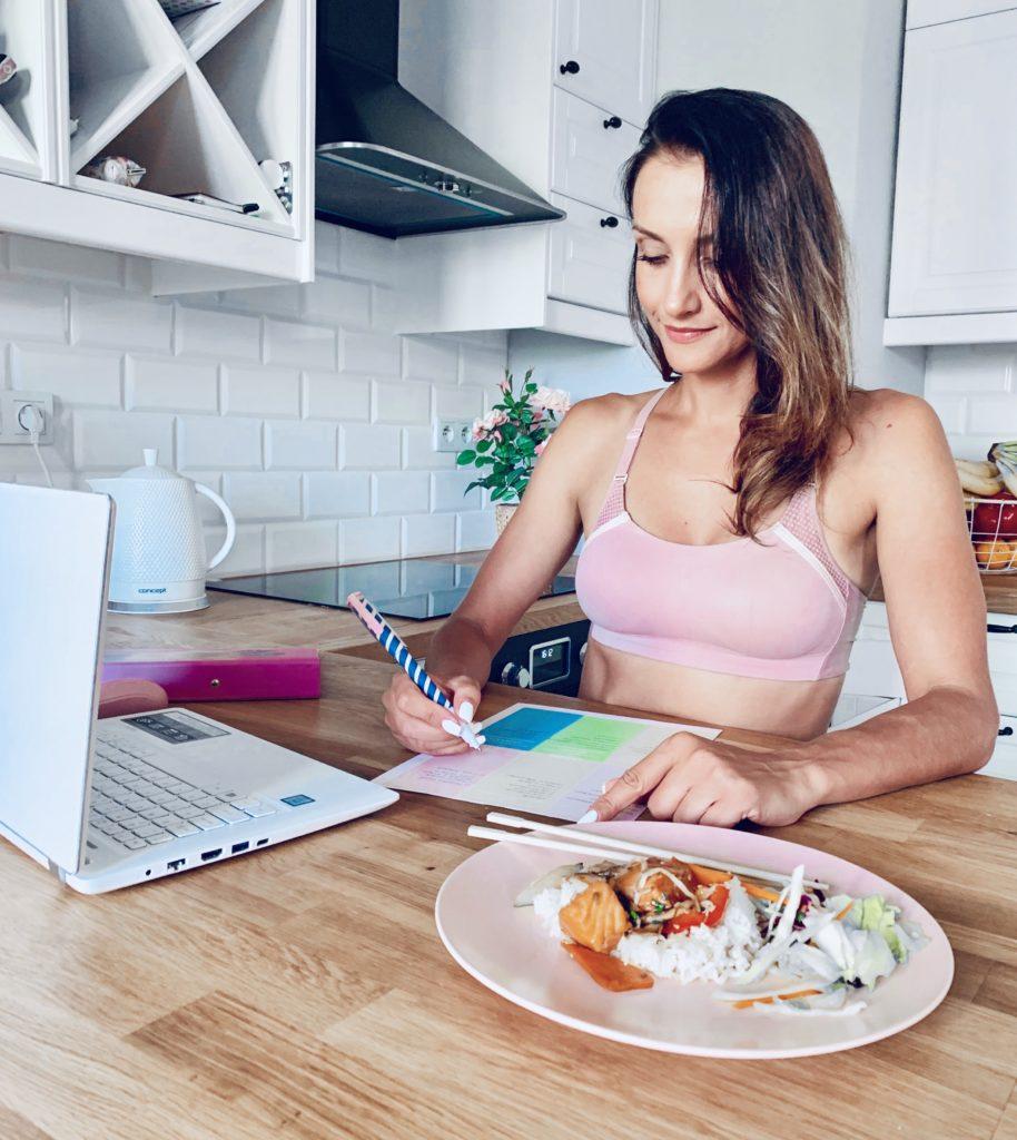 IMG 1504 914x1024 Jak planować posiłki dla całej rodziny? (część 1)